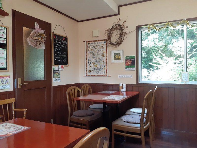 カフェ北野の森 店内画像